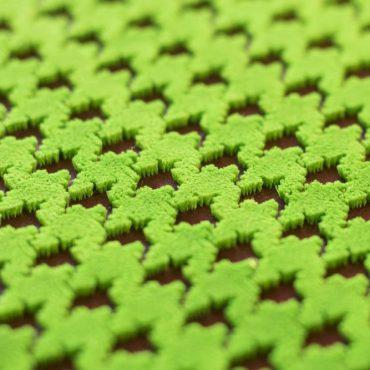 Esempio di ricamo punto tappeto monocolore